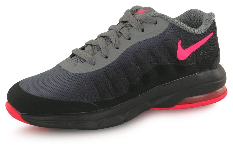 chaussure femme nike air max invigor rose et noir